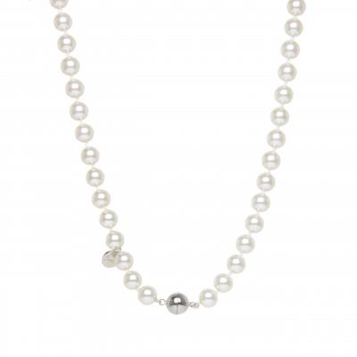 Girocollo di perle e sfera metallica Pearl